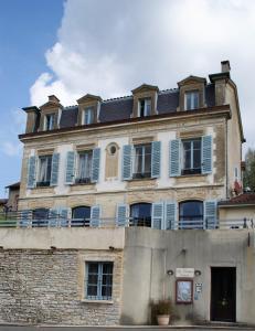 Location gîte, chambres d'hotes Le Clocher dans le département Jura 39