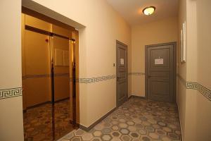 SUPER-LUX APPARTAMENTS, Апартаменты  Рига - big - 36