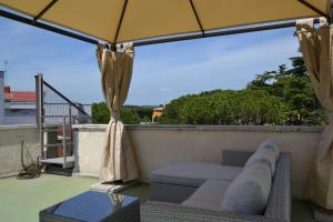 Romantic attic with terrace over Rome