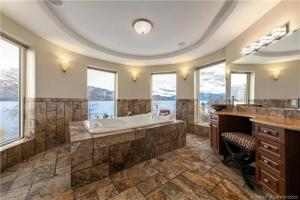 Accommodation in Peachland