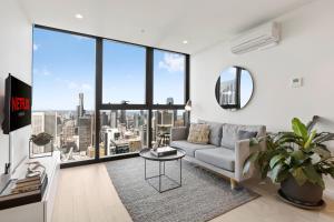 Luxuria Apartments - EQ Tower