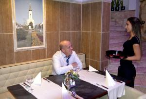 Hotel Minerva, Hotely  Mosonmagyaróvár - big - 12