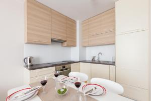 Raval Apartments Soft Beige