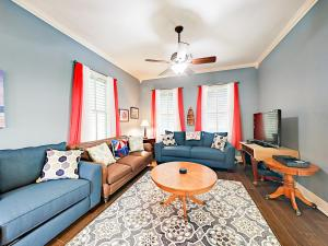 obrázek - 1218 Avenue M 1/2 Home