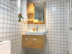North European Simple Apartment - Liuliqiao