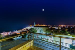 obrázek - Falcon Home (Panoramic Full Sea & City View Of Rethymno)