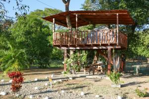 La Casa del Arbol Camping La Cruz