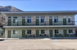 Aura Soma Lava, Hotely  Lava Hot Springs - big - 146