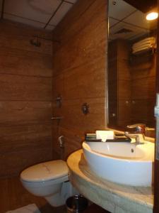 Hotel Aura, Отели  Нью-Дели - big - 62