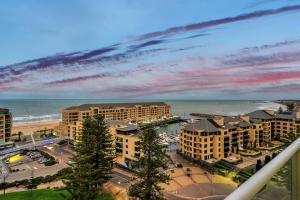 obrázek - Glenelg Skyline Beachfront Penthouse, Adelaide