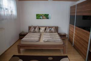 Ferienwohnung Mirtei, Апартаменты  Hohenau - big - 13