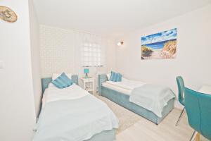 La Playa Apartments