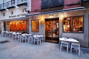 Apartamentos El Tiempo Madrid, Apartmány  Madrid - big - 64