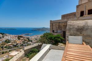 Wind Tales Syros Grece