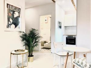Kinski Apartments