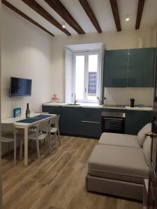Ai civici di Milano - Sartirana 5 - AbcAlberghi.com