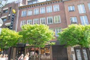 Tolstov-Hotels Old Town Apartment, Apartments  Düsseldorf - big - 103