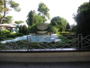 Hotel Canasta, Szállodák  Riccione - big - 24