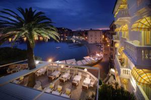 Hotel Helvetia (3 of 130)