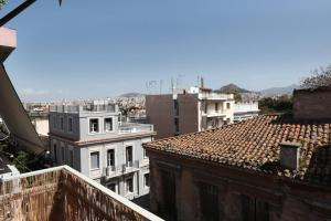 Romantic Apt with Penthouse & Acropolis View, Apartmány  Atény - big - 3