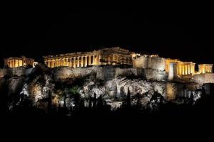Romantic Apt with Penthouse & Acropolis View, Apartmány  Atény - big - 19