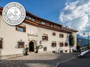 Scuol Hotels