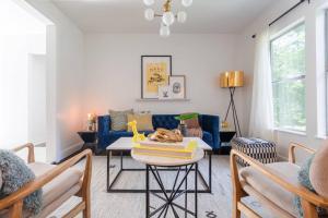 New 4BR East Side Home by Domio, Nyaralók  Austin - big - 1