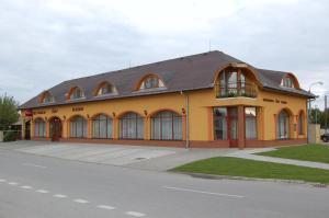 Pension Eder Nesvady Slowakei