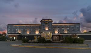 Prestige Treasure Cove Resort, Best Western Premier Collection
