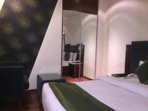 Hotel Aura, Отели  Нью-Дели - big - 106