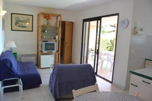 Playa Del Oro, Apartmány  Favone - big - 2