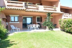 Playa Del Oro, Apartmány  Favone - big - 36