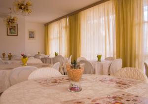 Hotel Fucsia, Отели  Риччоне - big - 94