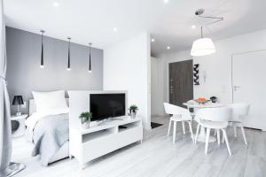 VIU White Moon Apartment