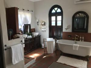 Dio Dell Amore Guest House, Bed and Breakfasts  Jeffreys Bay - big - 4