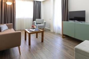 Hotel Black Tulip - Porto Gaia, Szállodák  Vila Nova de Gaia - big - 28