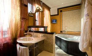 Grand Hotel Savoia (34 of 80)