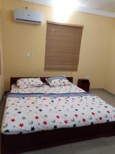 Full Service 3 Bedroom Flats, Apartmány  Ikeja - big - 9