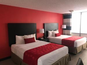 Ramada by Wyndham Mesa-Mezona Hotel, Hotel  Mesa - big - 1