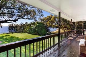 Hidden Luxury on the water! - House & Cottage, Apartmanok  Soldiers Point - big - 6