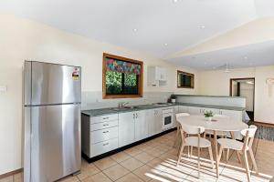 Hidden Luxury on the water! - House & Cottage, Apartmanok  Soldiers Point - big - 2