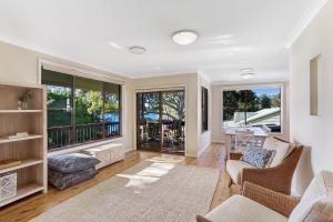 Hidden Luxury on the water! - House & Cottage, Apartmanok  Soldiers Point - big - 5