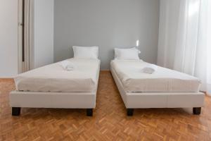 Petralona Cosy Penthouse, Apartmanok  Athén - big - 19