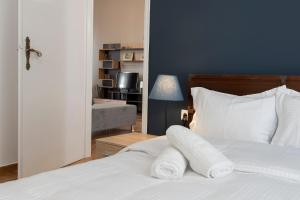 Petralona Cosy Penthouse, Apartmanok  Athén - big - 14