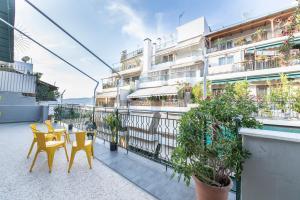 Petralona Cosy Penthouse, Apartmanok  Athén - big - 12