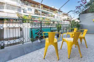 Petralona Cosy Penthouse, Apartmanok  Athén - big - 24