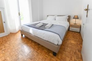 Petralona Cosy Penthouse, Apartmanok  Athén - big - 25
