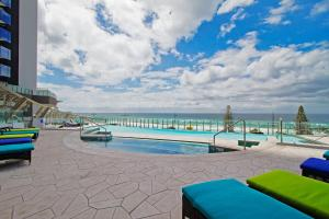 2 & 3 Bedroom Oceanview Apartments at 5 Star Soul Surfers Paradise - Gold Coast