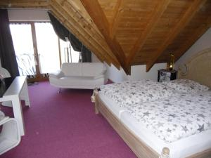 WEINherBERGE, Bed and breakfasts  Thüngersheim - big - 2