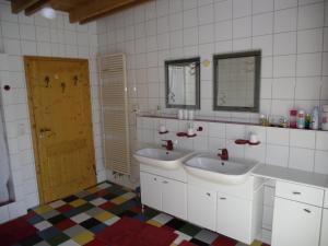 WEINherBERGE, Bed and breakfasts  Thüngersheim - big - 3